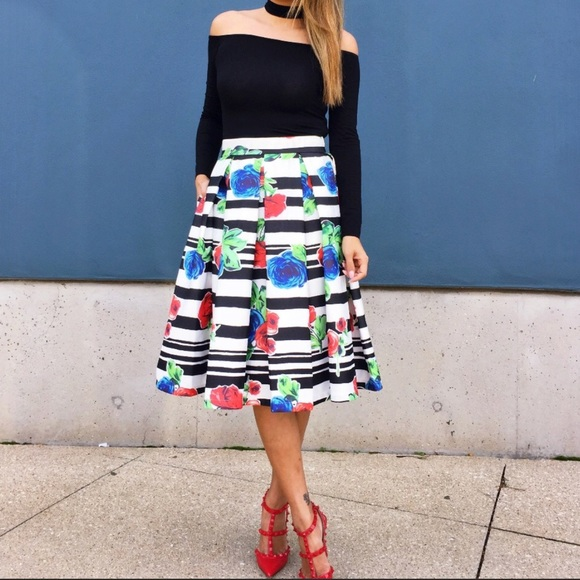T&J Designs Dresses & Skirts - Beautiful Midi Skirt With Pockets